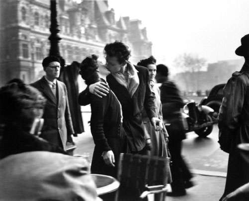 Kuss vor dem Rathaus